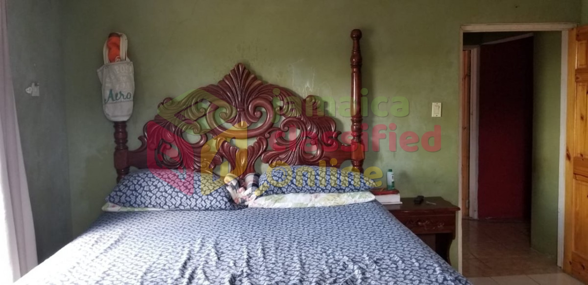 King Sized Bedroom Set Used For Sale In Spotvalley St James Furniture