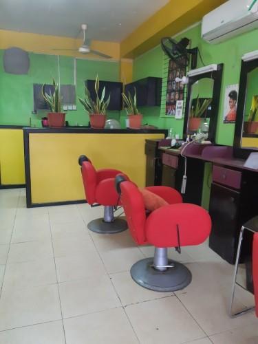 Barber/Hair/Nail Station
