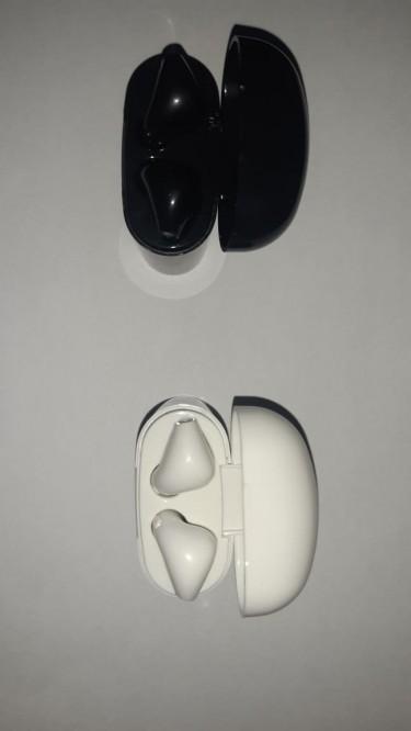 Rave Bluetooth Earpods