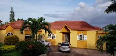 Furnished 1 Bedroom Flat  Apartments Coral Gardens