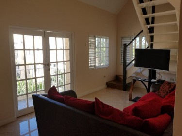 2 Bedroom House For Rent With Pool
