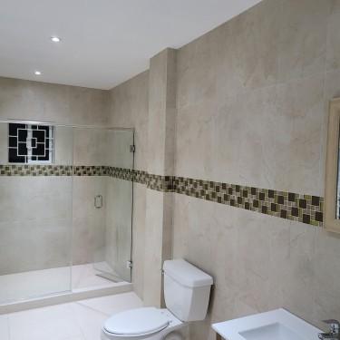 3 Bedroom, 3 Bathroom  Apartment