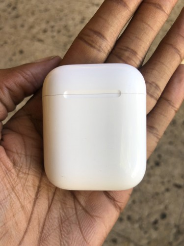 2nd Gen Airpods