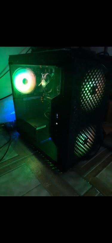 New I3-8100 Desktop Computer
