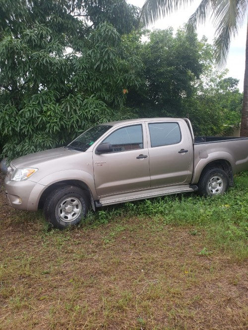 Toyota Hilux Pickup Truck 09