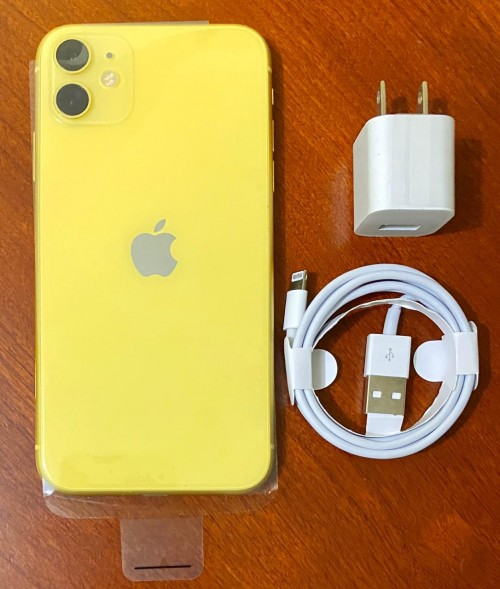 Used IPhone 11<br /> (Factory Unlocked To:Digicel,FLOW)