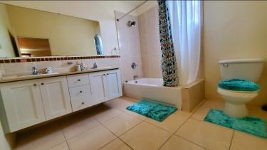 FULLY FURNISHED HUGE  3 BEDROOM 3 BATHROOM