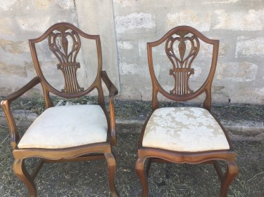Mahogany Dining Room Table (Round)+6 Chairs