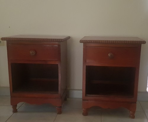 2 Bed Side Tables