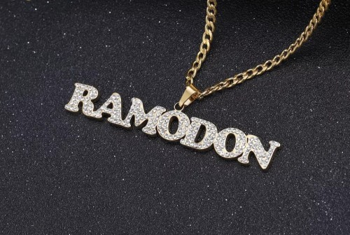 ?Customized Diamond Name Necklace?