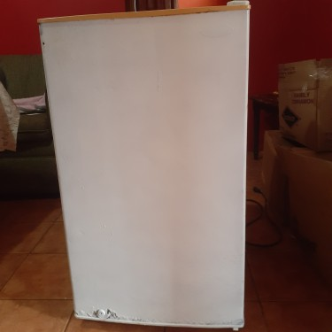 Daewoo Refrigerator, 4.2 Cu.Ft.(Moving Sale)