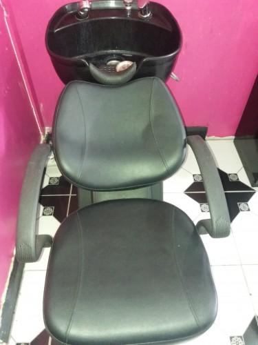 4 Hairdresser Stations, Massage Bed & Shampoo Sink
