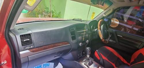 Mitsubishi Pajero Gls 2010