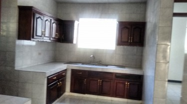 3 B/R Unfurnished Apartment Coral Gardens Mo Bay