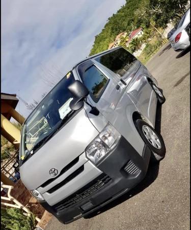 Toyota Hiace 2017