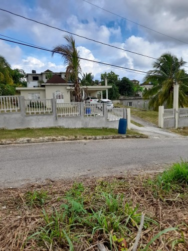 IRWIN POINT 1/3 ACRE LOT FOR SALE