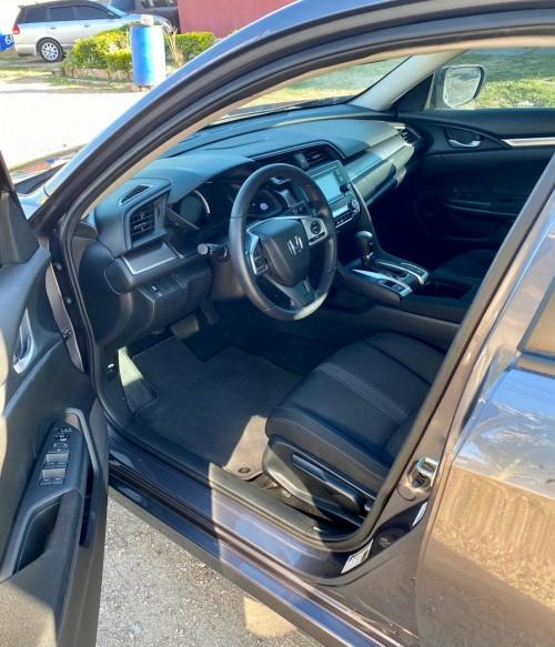 2017 Honda Civic LX (LHD/2WD, Automatic)