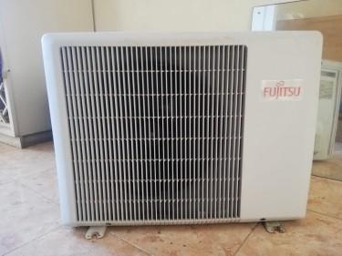 AIR CONDITIONER 12 BTU - 100% WORKING - FUJITSU