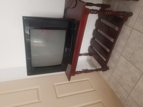 TV With TV Stand / Center Table