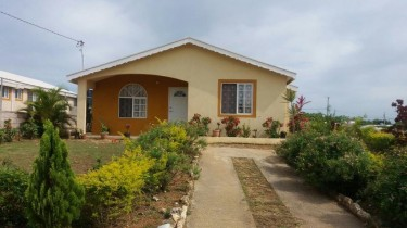 Fully Furnished 3 Bedroom House In Gated Community Houses Coral Spring Village