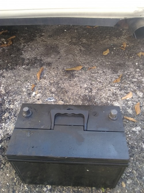Selling 4 Wheels + 1 Car Battery +(1free Car)
