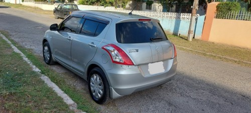 2012 Suzuki Swift $820k Negotiable!