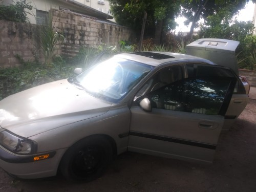 Volvo 2000 Selling Selling In Good Driving Conditi