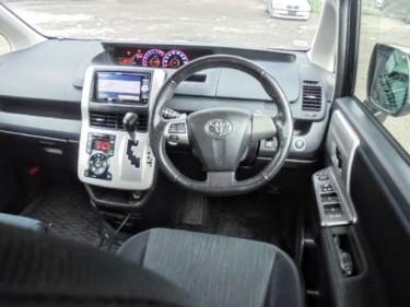 2012 Toyota Voxy 8 Seater