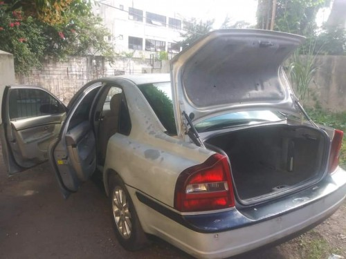 Volvo 2ooo Driving Car In Good Condition
