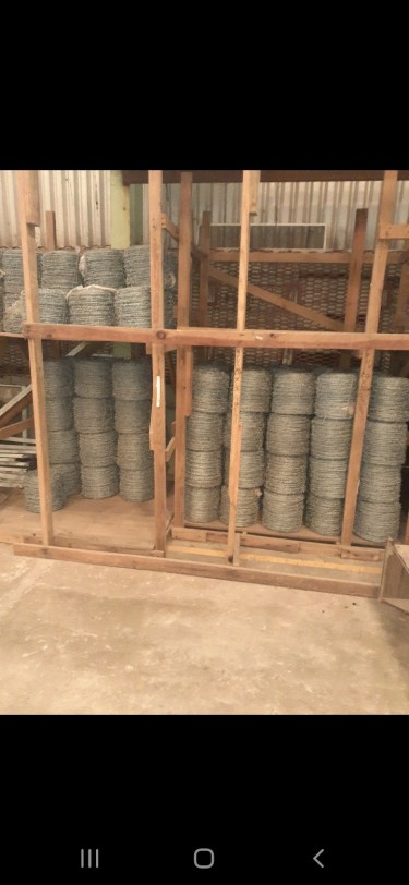 400m & 220m Barbed Wire