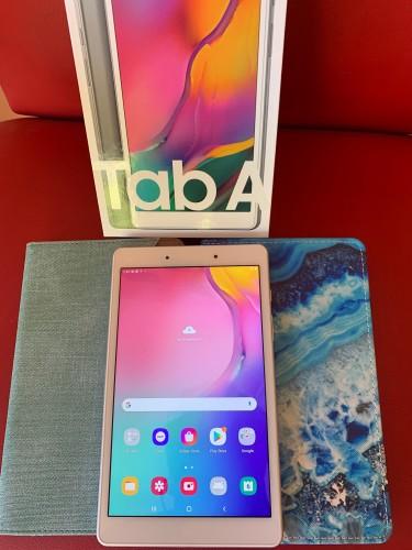 """2019 Samsung Galaxy Tab A  8"""" With Case"""