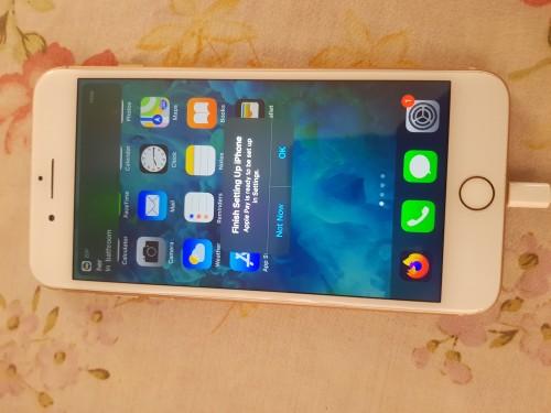 Gold Iphone 8 Plus *64GB