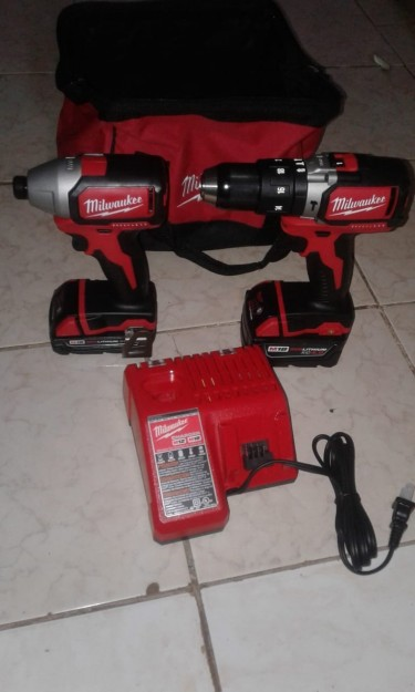 Milwaukee Hammer Drill And Impact Driver