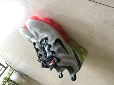 Nike Vapormax Plus SIZE 10/10.5 Barely Used