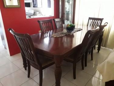 Dining Room Set/6 Piece