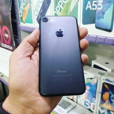 IPhone 7 (32 Gig) Mint Condition. Upgrading
