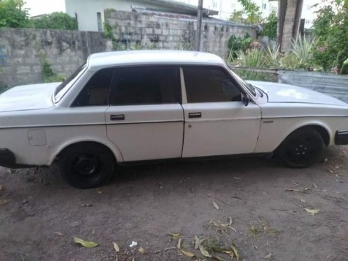Volvo 1982 Middle Driving Vehicle