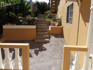 CORAL GARDEN ....2 BEDROOM 2 BATH FOR RENT