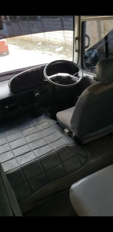 2005 Toyota Coaster