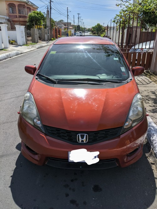 Honda Fit 2013 (clean) Female Driven