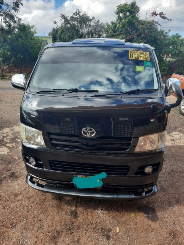 For Sale: Hiace Bus 2009 With Documents