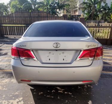 2014 Toyota Crown (NON-HYBRID)