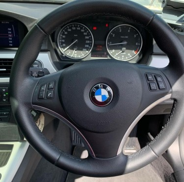 2011 BMW 320i