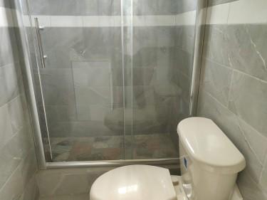 4 Bedroom 3 Bath Large Side Of House LDK Wash Area