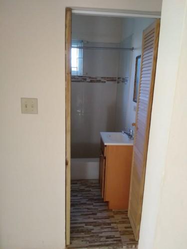 2 Bedrooms 1 Bathroom