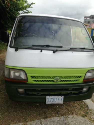 2002 Ful Time 4 Wheel Drive Have Bus