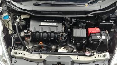 2012 Honda Fit Shuttle (hybrid)