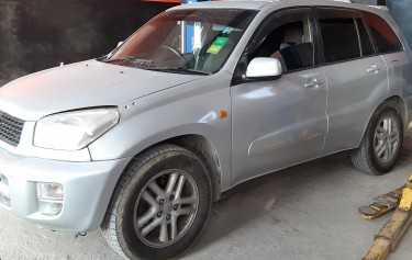 2000 Toyota Rav4 (NEGOTIABLE) Must Go
