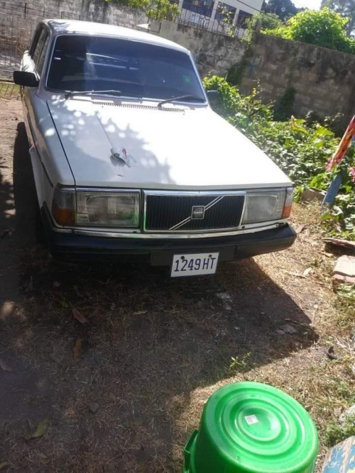 1982 Moddle Volvo Driving Vehicle