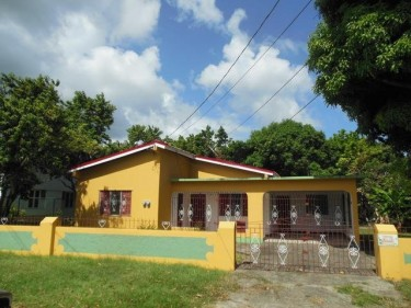 Property For Sale With 4 Bedrooms